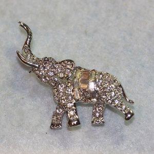 Jewelry - Vintage Elephant Glass Rhinestone Round Brooch